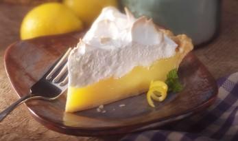 lemon-meringue-pie-930x550