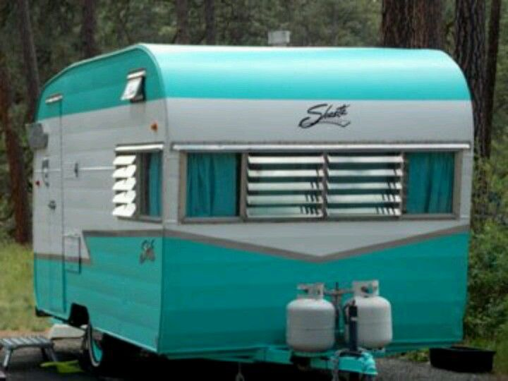 The Turquoise Trailer and the Homeless Couple
